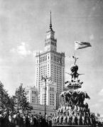 Parade on Plac Defiliada, Warsaw, 1955 (Source: Pałac Kultury I Nauki im. Jozefa Stalina, Warsaw, 1955).