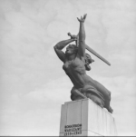 Marian Konieczny, Memorial to the Heroes of Warsaw, installed in Plac Teatralny Warsaw in 1961. Collection: NAC